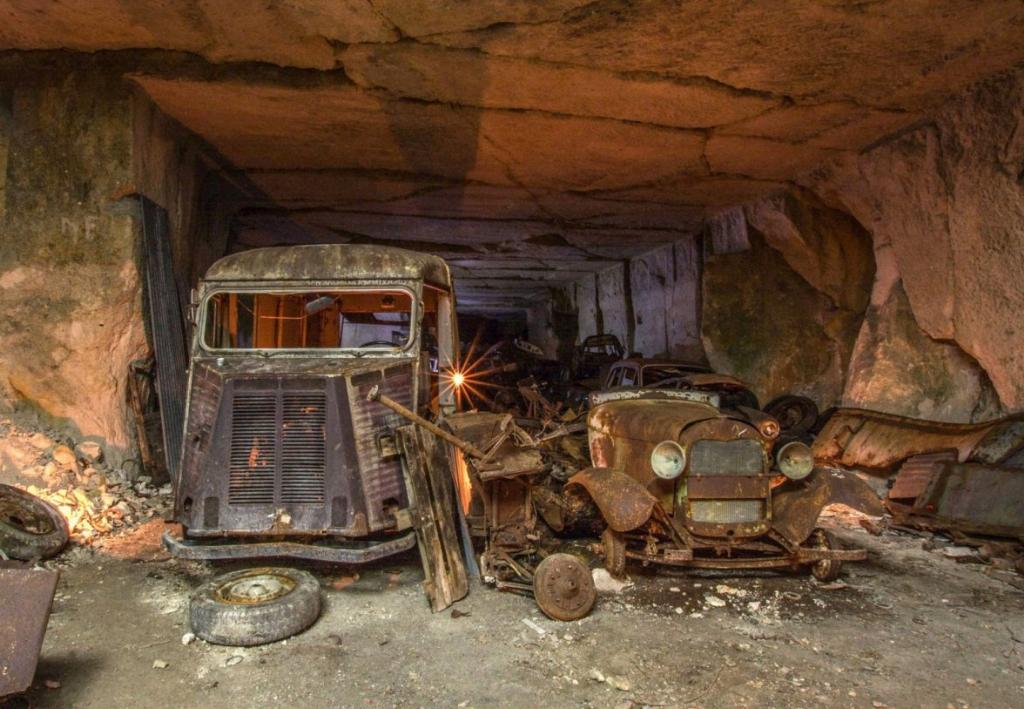 Десятки довоєнних автомобілів знайдені в каменоломні у Франції4