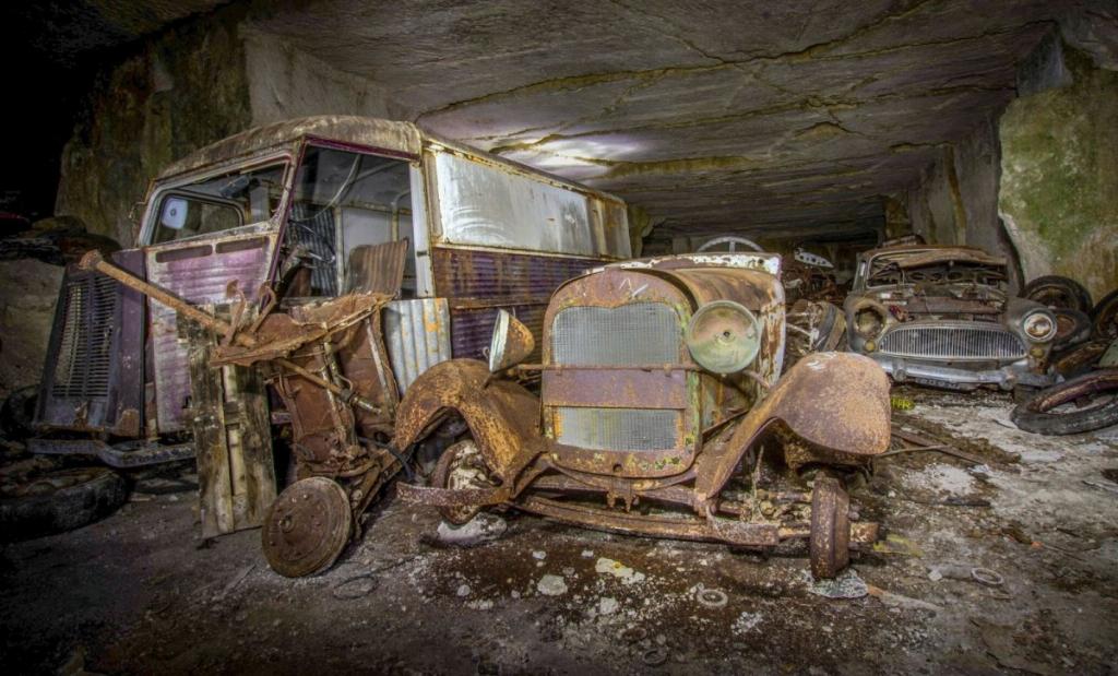Десятки довоєнних автомобілів знайдені в каменоломні у Франції8