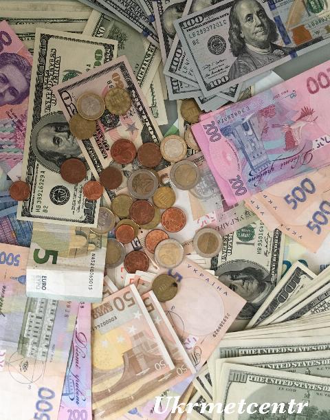 Долар на міжбанку зберігся на рівні 25,72 грн 00