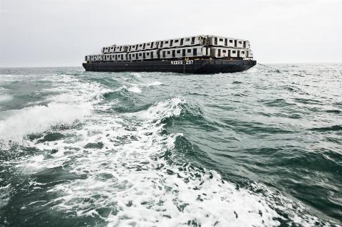 Вагони метро Нью-Йорка топлять прямо в Атлантичному океані (фото)8